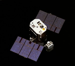 Capturing_the_Solar_Maximum_Mission_satellite