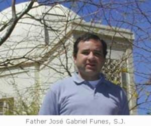 Le Vatican au risque des extraterrestres dans Dieu et les Extraterrestres fatherjosefunes-300x251